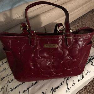 Coach Handbag burgundy/wine Patent Leather
